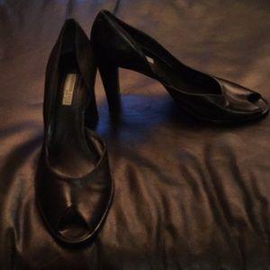 Ladies shoes